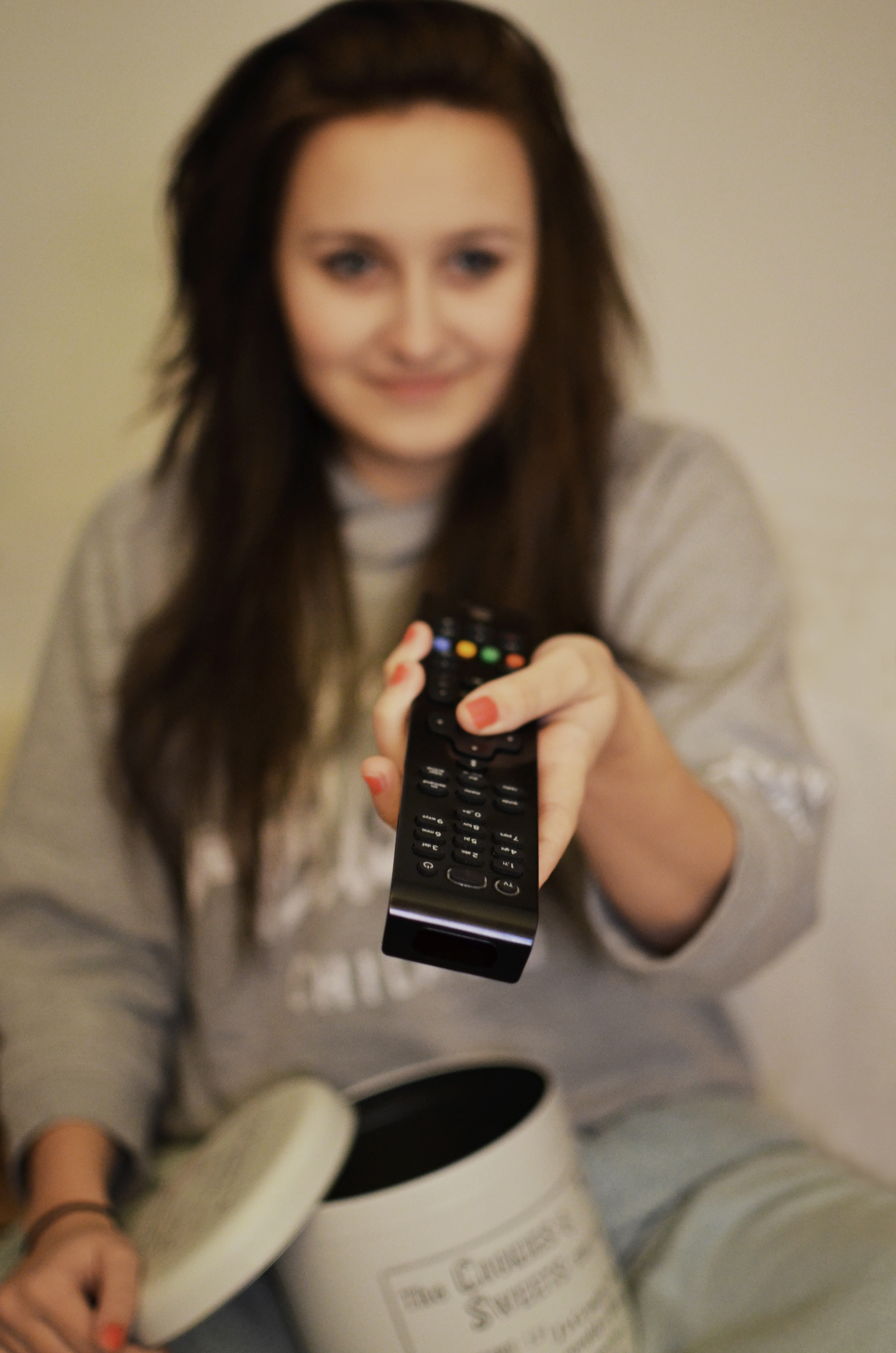 TV_woman-girl-remote